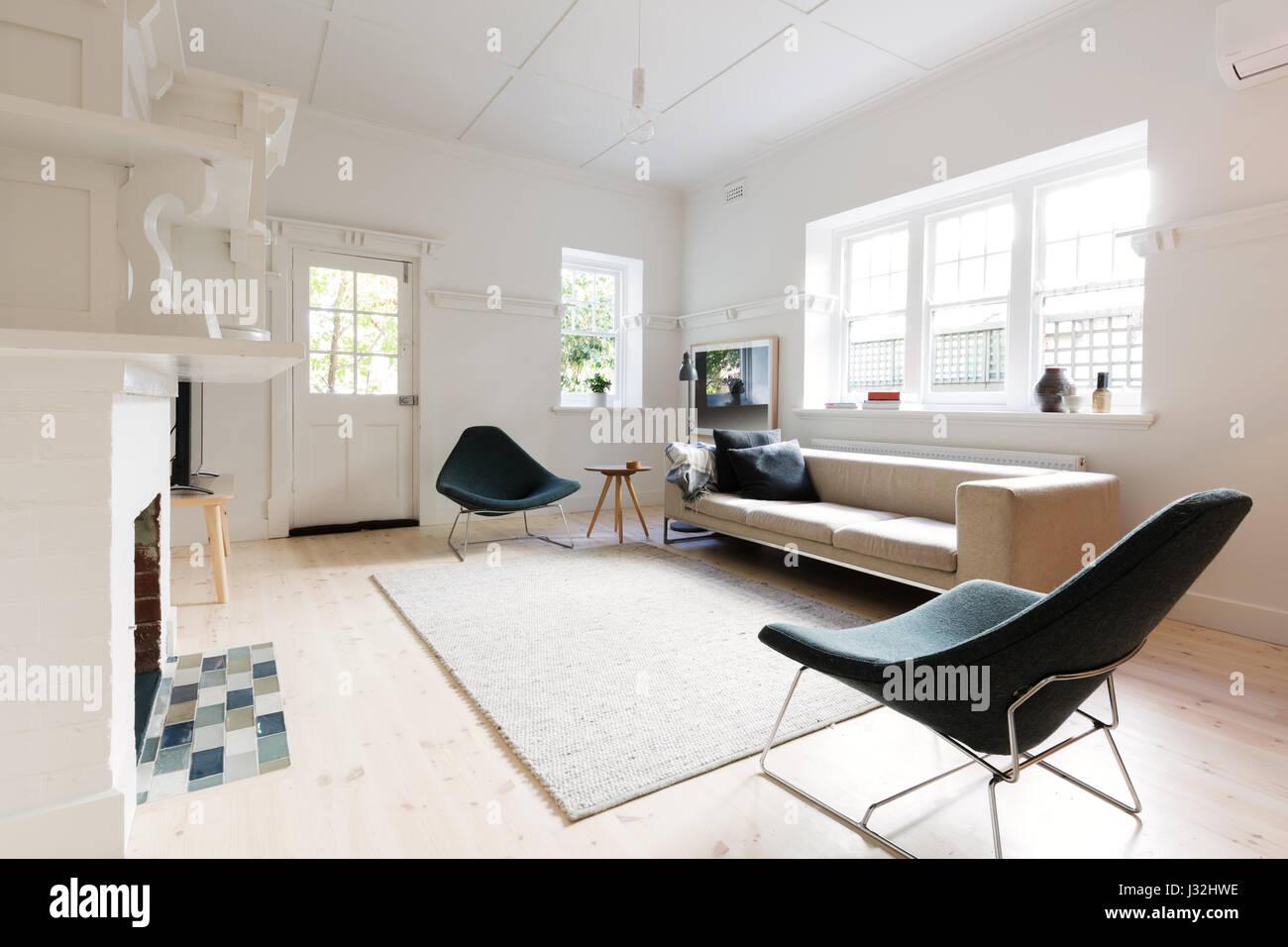 Große Moderne Inneneinrichtung Gestaltete Wohnzimmer In Melbourne Wohnung