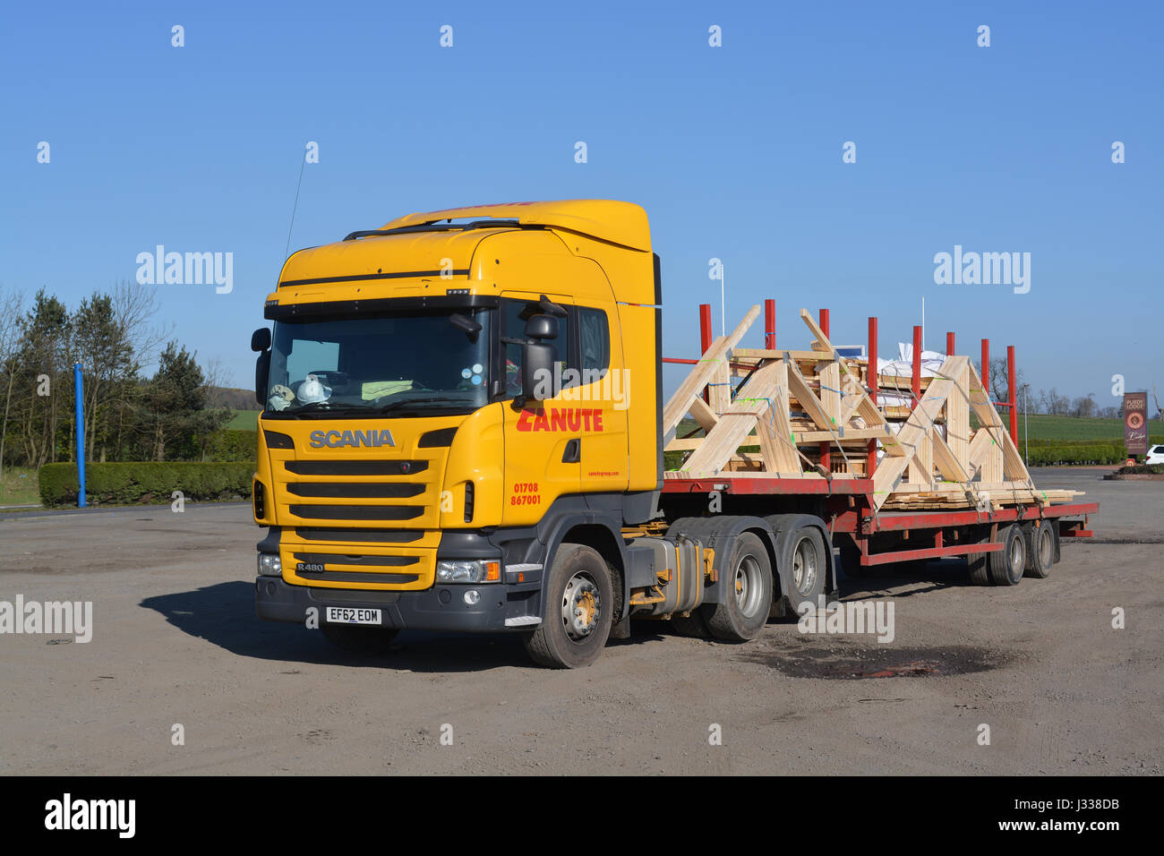 scania lorry stockfotos scania lorry bilder alamy. Black Bedroom Furniture Sets. Home Design Ideas