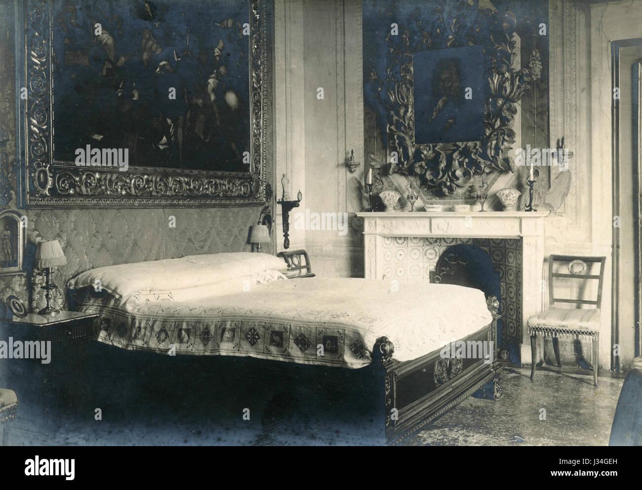 Ein altes Schlafzimmer, Italien Stockfoto, Bild: 139627673 - Alamy