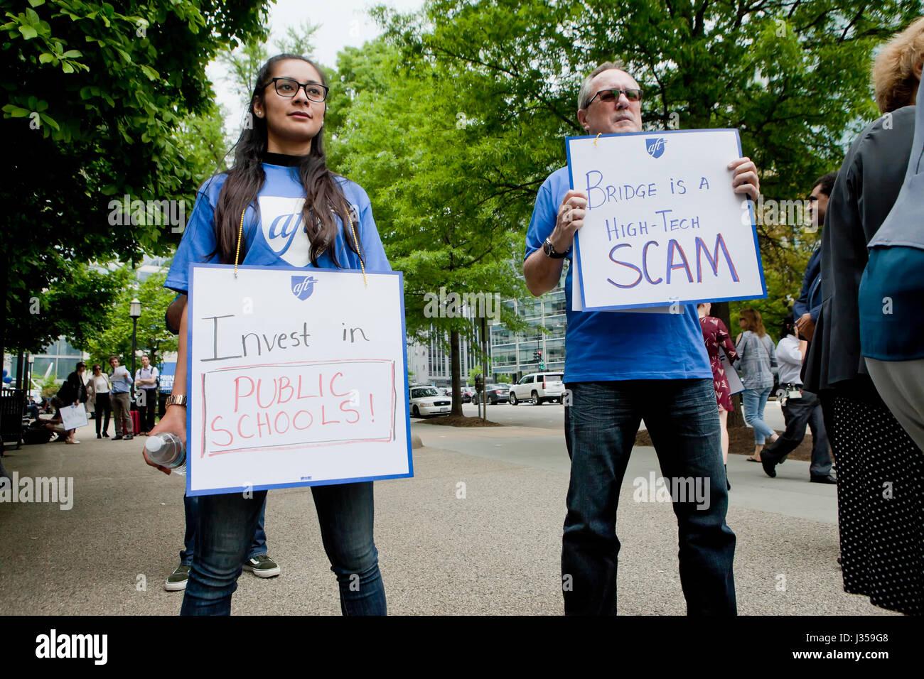 April 21, 2017, Washington, DC, USA: Mitglieder der AFT (amerikanische Vereinigung der Lehrer) Rallye in die Unterstützung Stockbild