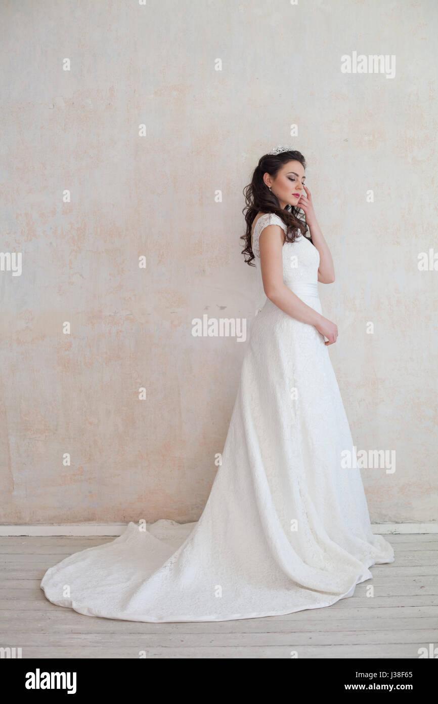 Black Bridal Crown Stockfotos & Black Bridal Crown Bilder - Alamy