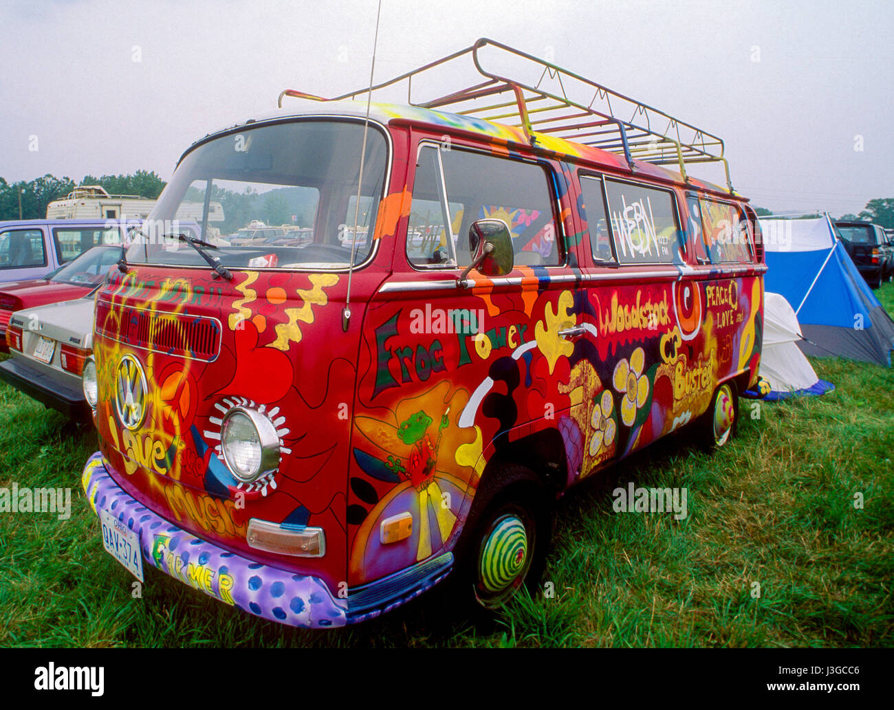 hippie van zum 25 jubil um des woodstock music festival auf der winston farm in saugerties new. Black Bedroom Furniture Sets. Home Design Ideas