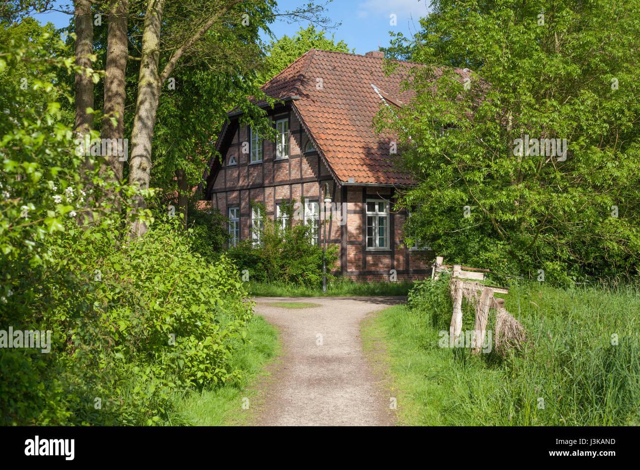 Holzhaus Bremen wanderweg und walking promenade in der bremer schweiz alte holzhaus