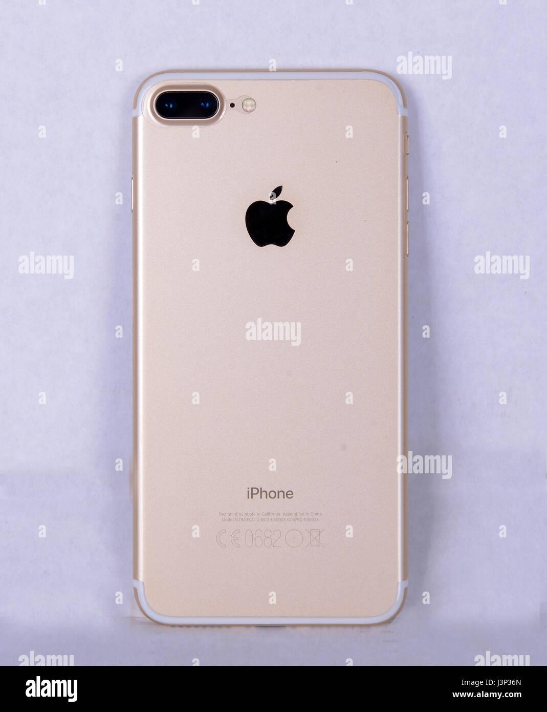 I Phone 7 Plus Golden, isoliert Illustrative Editorial Stockbild