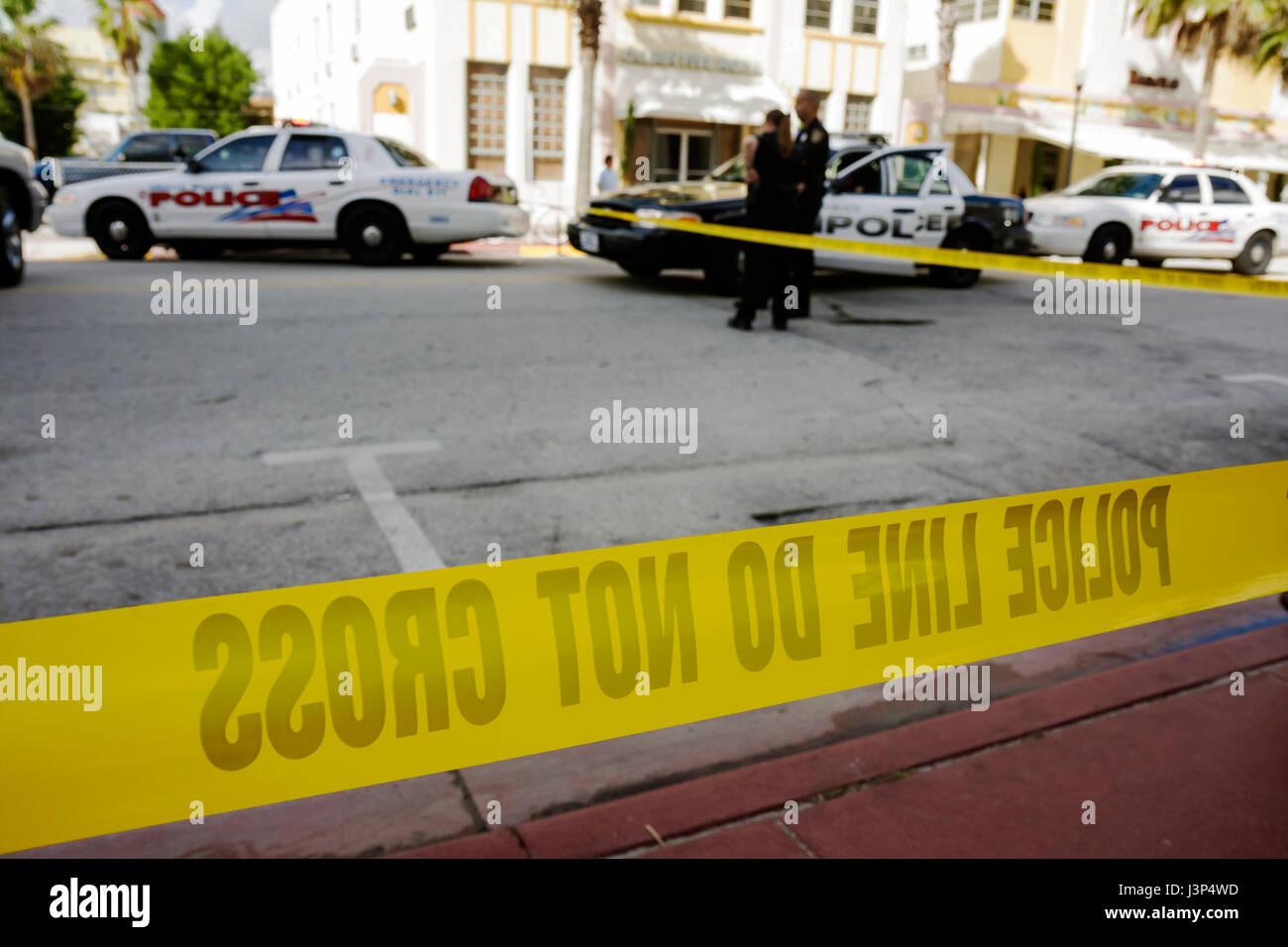 Miami Beach Florida Ocean Drive Motorrad Crash Unfall Szene Polizei ...