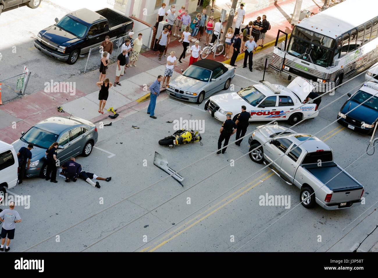 Bystanders Blocked Traffic Stockfotos & Bystanders Blocked Traffic ...