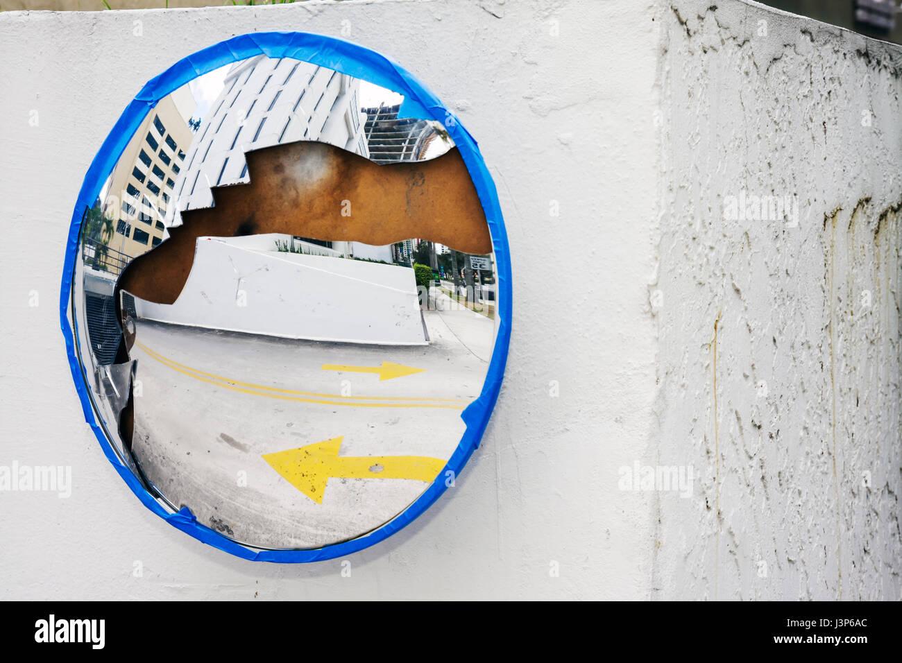 Blind Spot Mirror Stockfotos & Blind Spot Mirror Bilder - Alamy