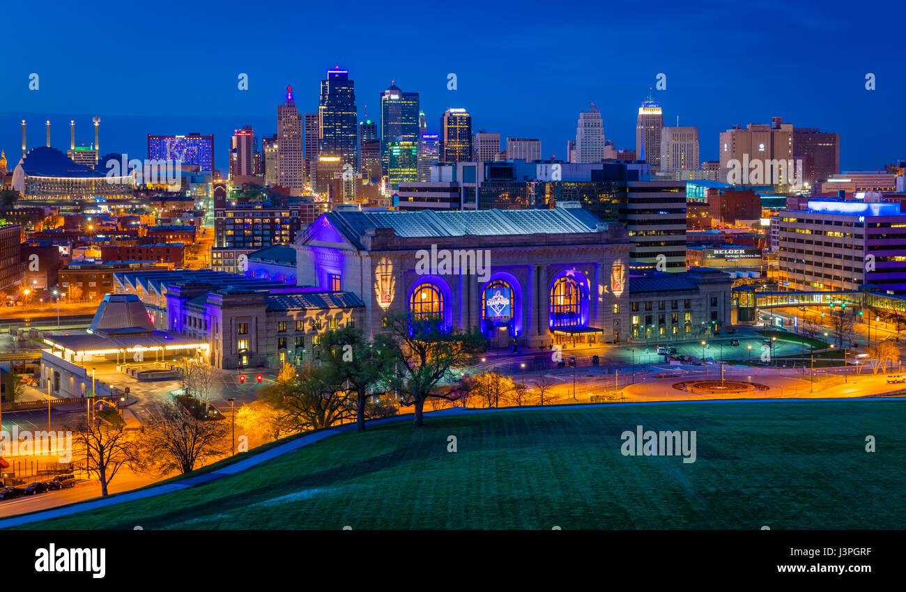 Kansas City (oft als K.C) ist die bevölkerungsreichste Stadt im US-Bundesstaat Missouri. Im Jahr 2010 hatte Stockbild