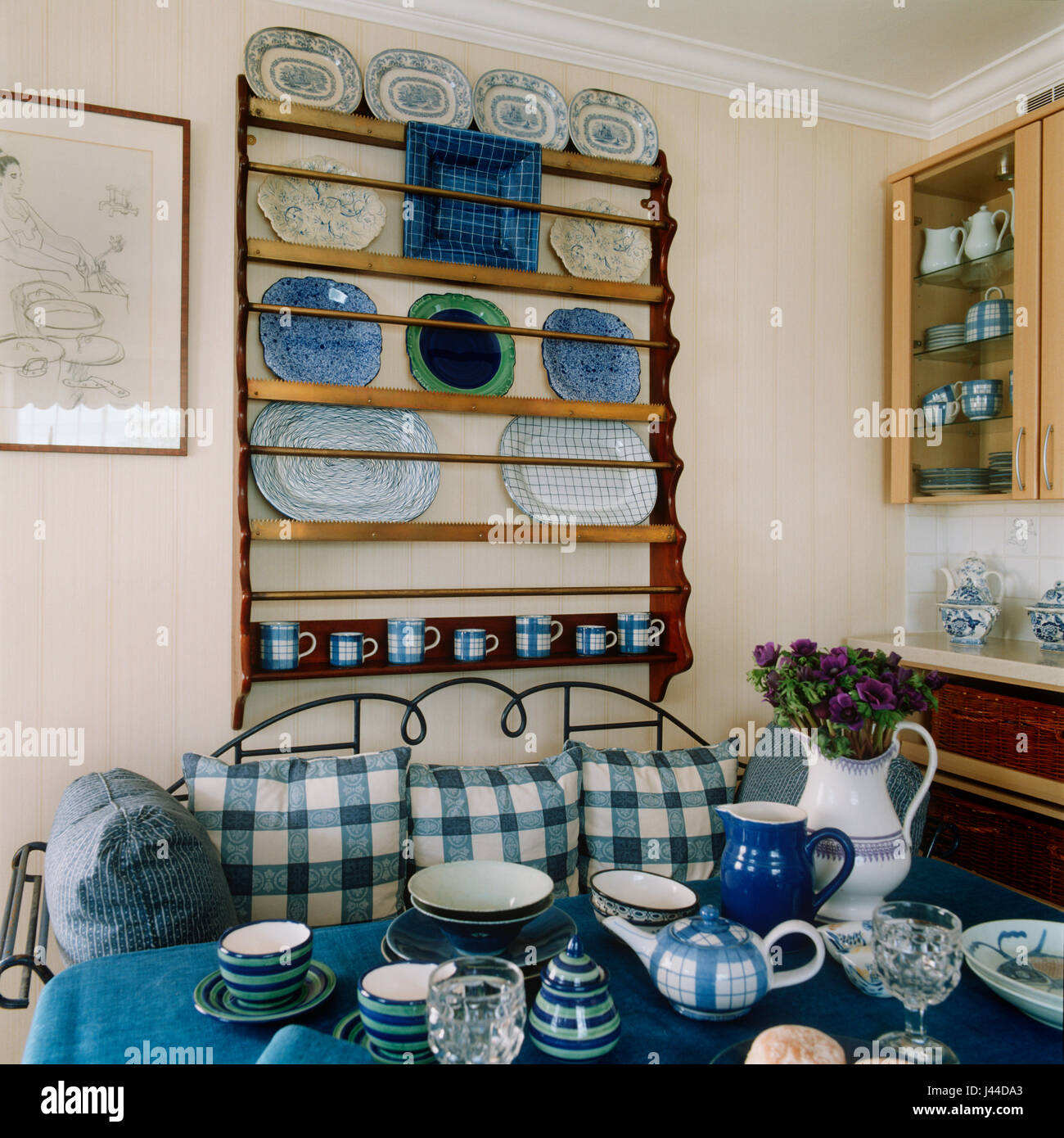 English Pottery Stockfotos & English Pottery Bilder - Alamy