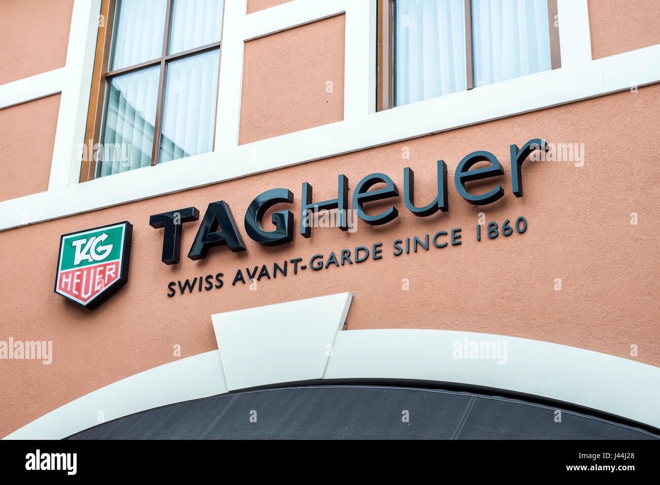 Roermond Niederlande 07.05.2017 - Logo von TagHeuer Watch Store im Mc Arthur Glen Designer Outlet shopping-Bereich Stockfoto
