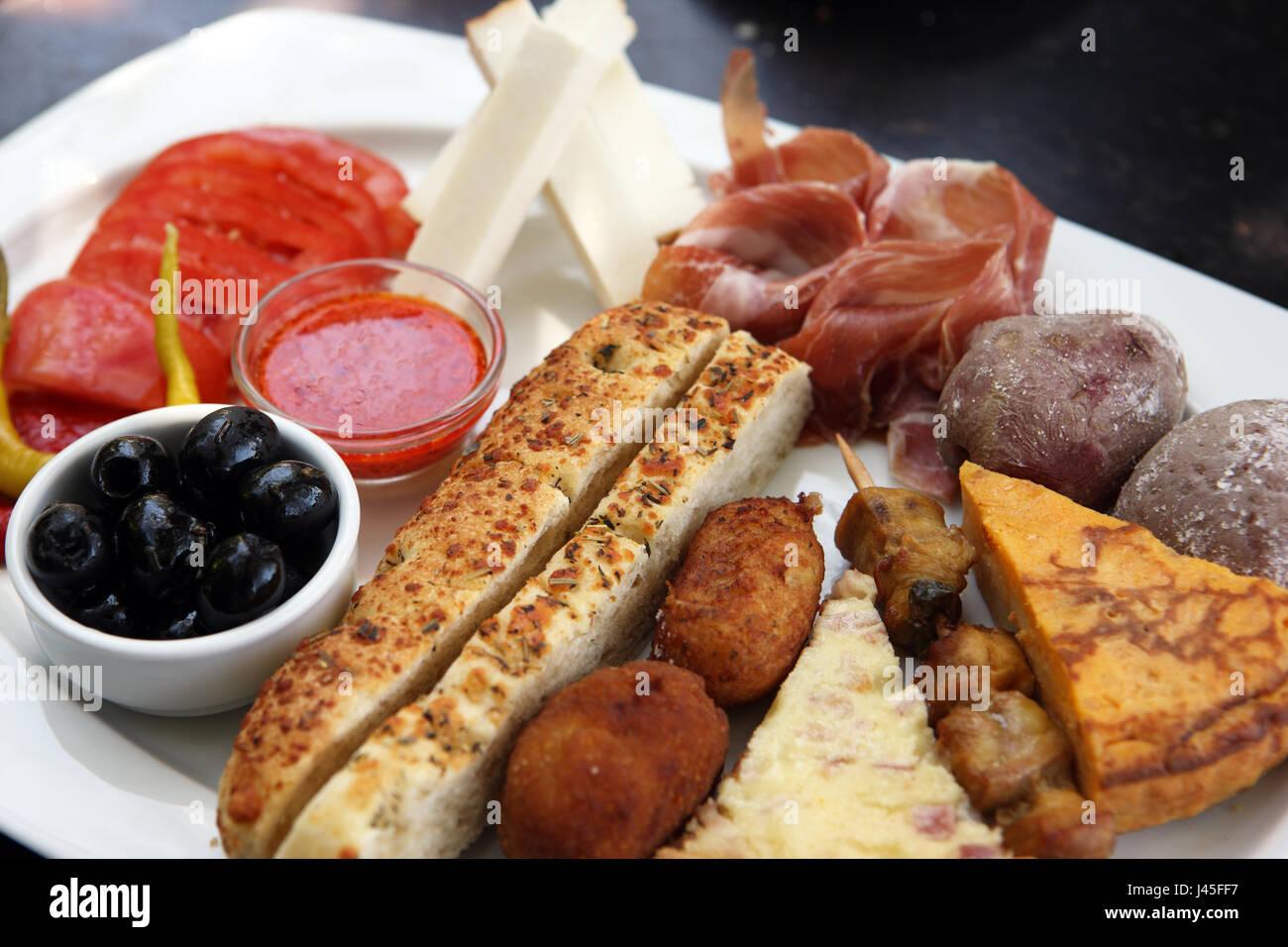 Teller mit traditionelle spanische Küche Stockbild