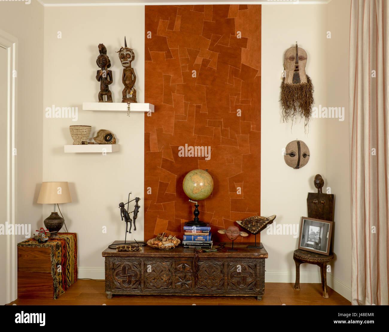 Modernes Wohnzimmer Mit Afrikanischen Dekorationen
