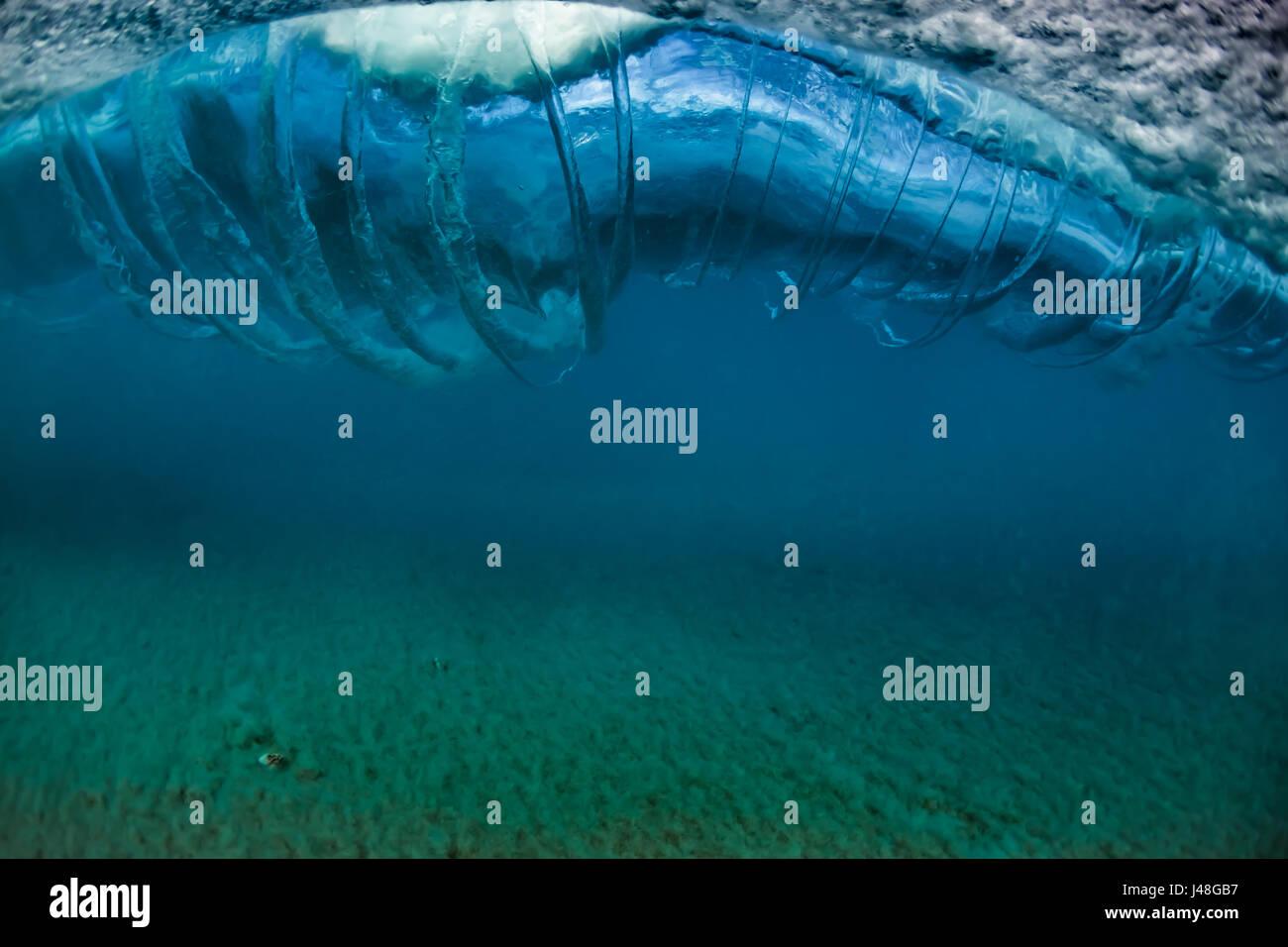 Breaking A Mirror Stockfotos & Breaking A Mirror Bilder - Alamy