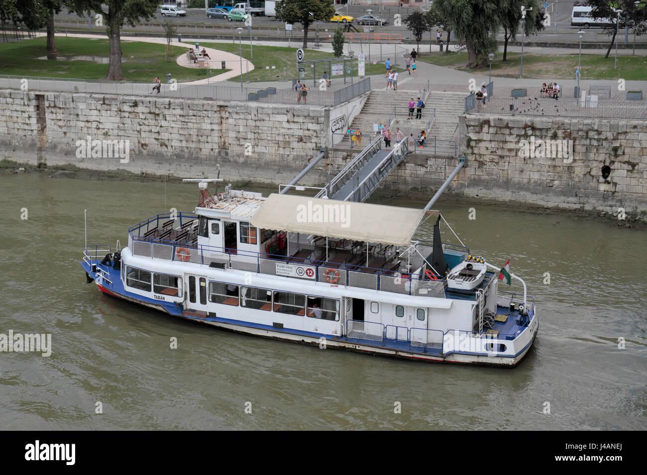 best service 9abe7 45773 Öffentlichen Verkehrsmitteln Boot Nr. 12 Boot auf der Donau ...