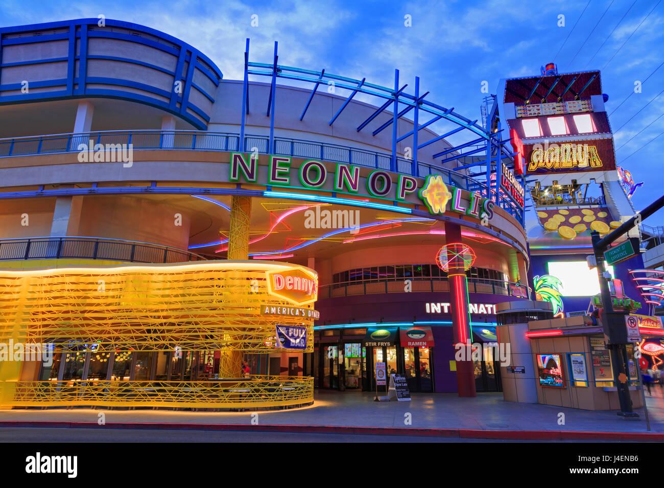 Neonopolis, Fremont Street, Las Vegas, Nevada, Vereinigte Staaten von Amerika, Nordamerika Stockbild