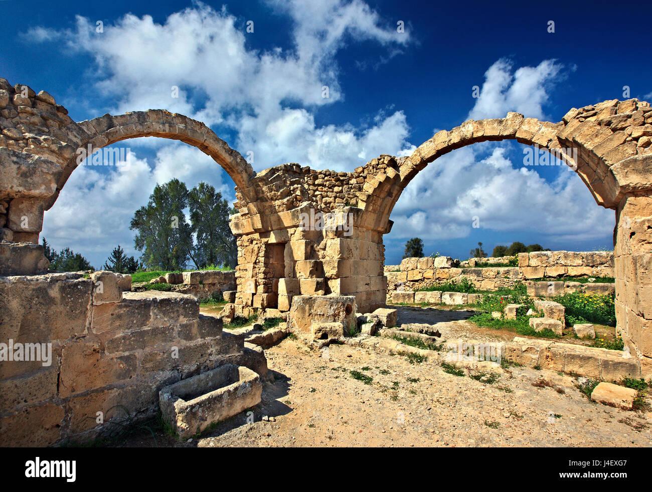 Von der mittelalterlichen Burg aranta kolones' (vierzig Säulen'), zu der archäologischen Stätte Stockbild