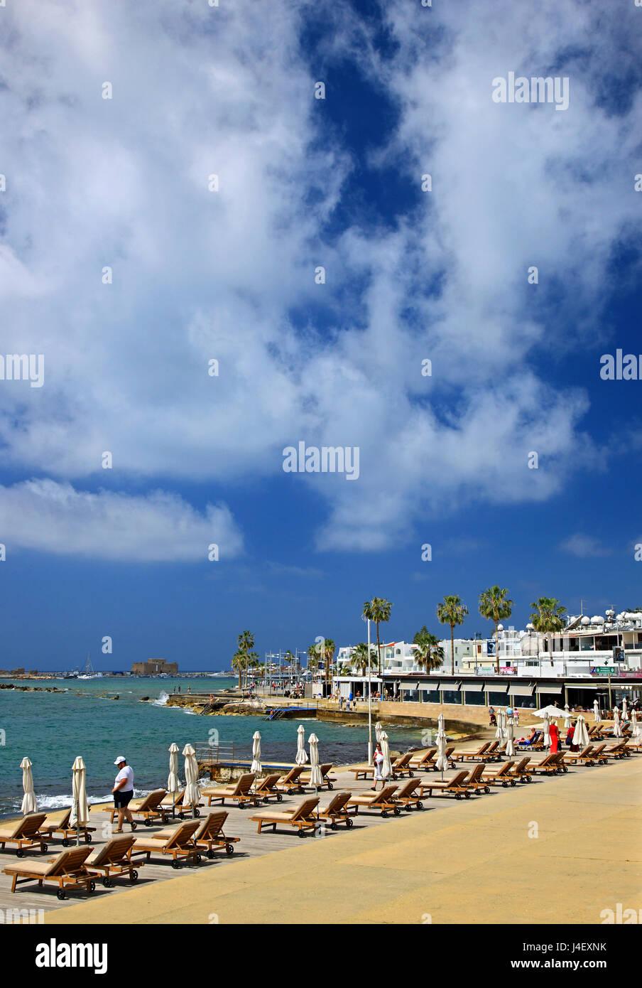 """Kommunale Bäder Strand, bekannt als """"Bania"""" (Kato) Paphos, Zypern Stockbild"""