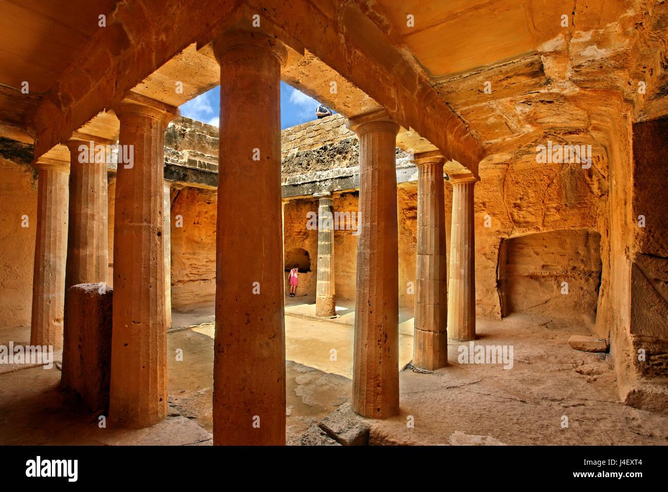 Innen Grab 3, Gräber der Könige (UNESCO-Weltkulturerbe), Paphos, Zypern. Paphos Stadt ist eine der 2 Kulturhauptstadt Stockbild