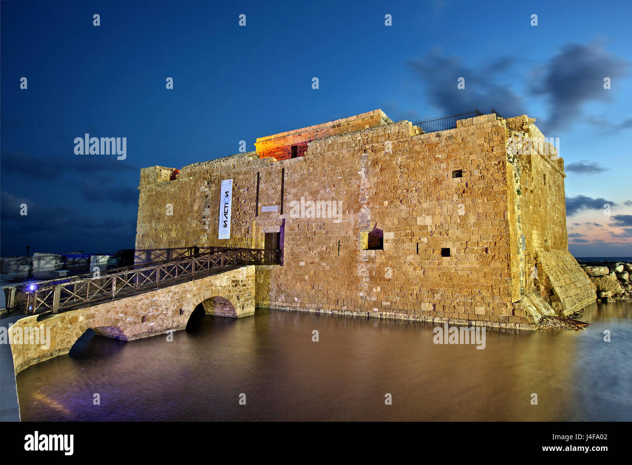 """Die Burg von Paphos in der """"blauen"""" Stunde ist Cyprus.Paphos auf der 2 europäischen Hauptstädte Stockbild"""