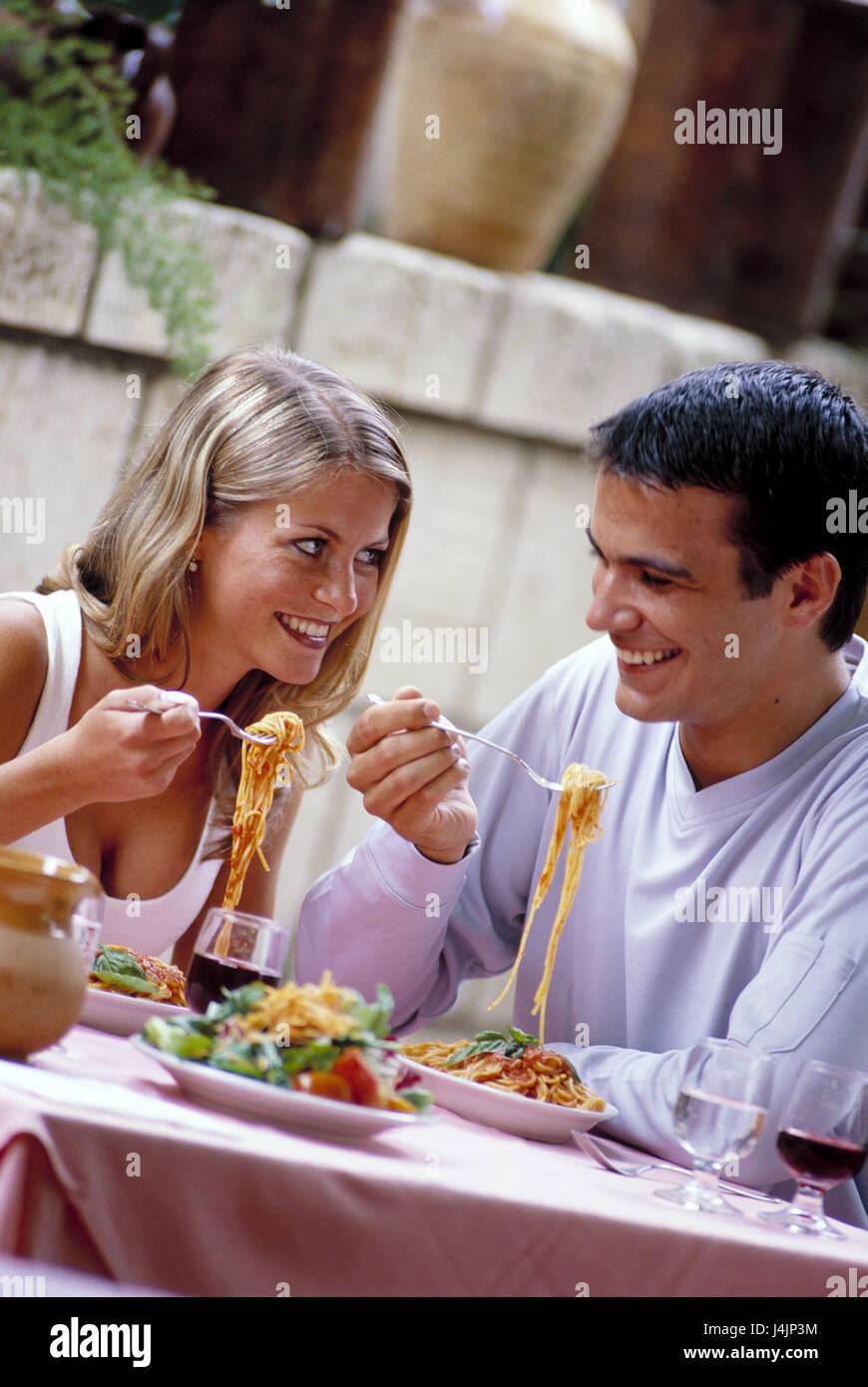Restaurant, paar, Blickkontakt, Spaghetti, Essen, Salatteller ...