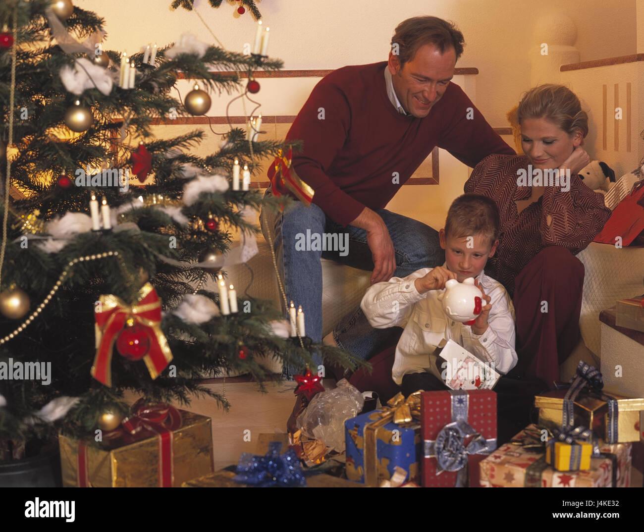 Weihnachten, Familie, Verteilung der Geschenke, glücklich ...