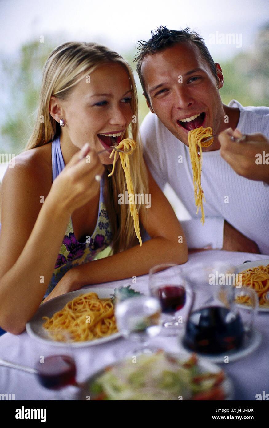Restaurant, paar, Spaghetti, Essen, Salatteller, Gläser, Getränke ...