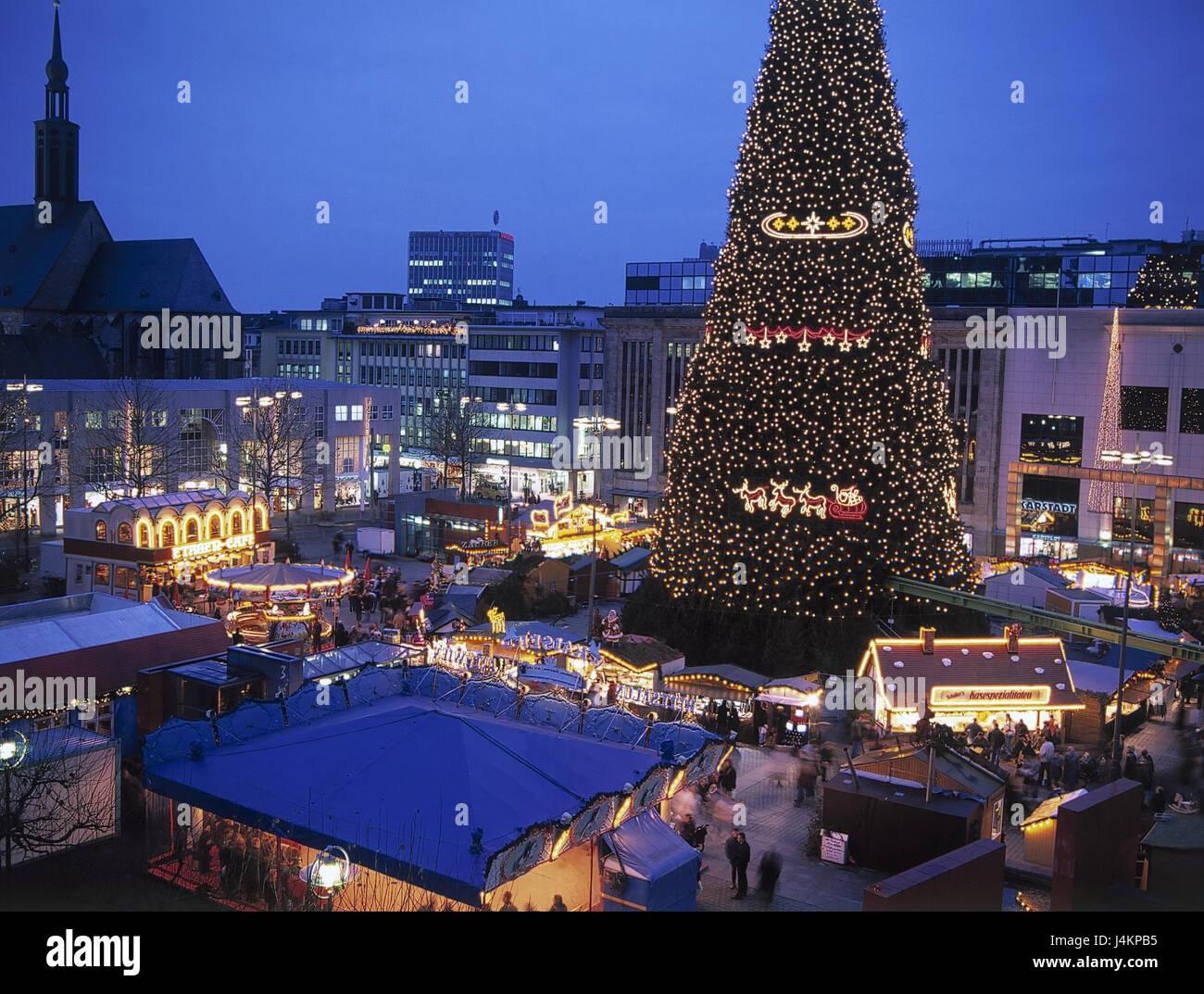 Dortmunder Weihnachtsmarkt Stände.Deutschland Nordrhein Westfalen Dortmund Weihnachtsmarkt