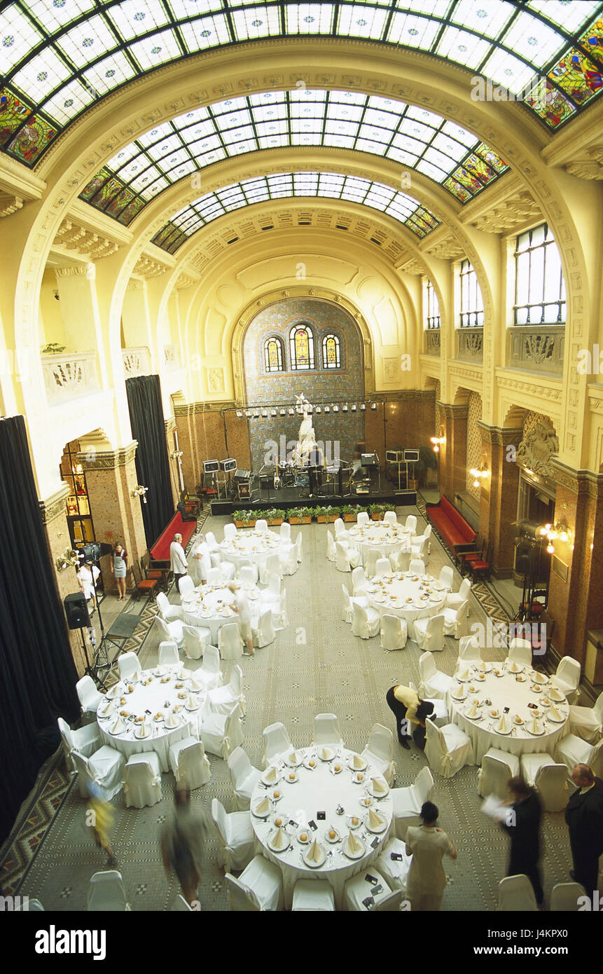 Interior Gellert Hotel Budapest Stockfotos & Interior Gellert Hotel ...