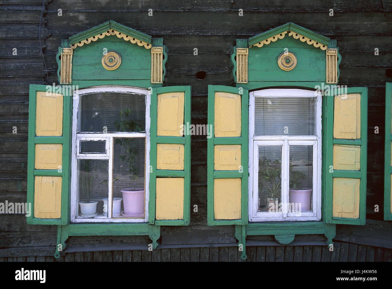 Russland Sibirien Irkutsk Holzhaus Fassade Detail Fenster