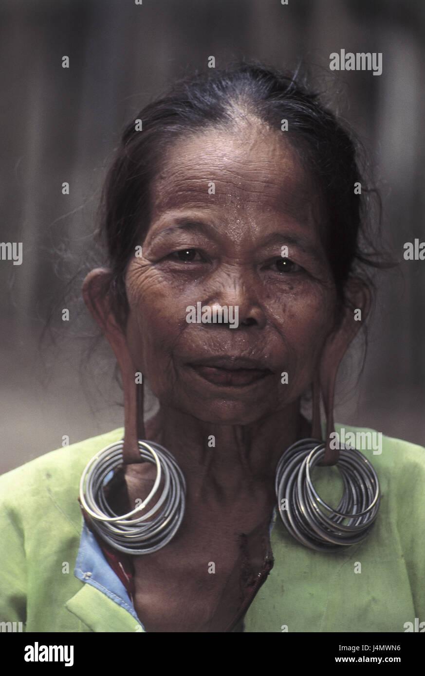 Indonesien, Insel Borneo, primitive Rasse, Kenyah, Frau