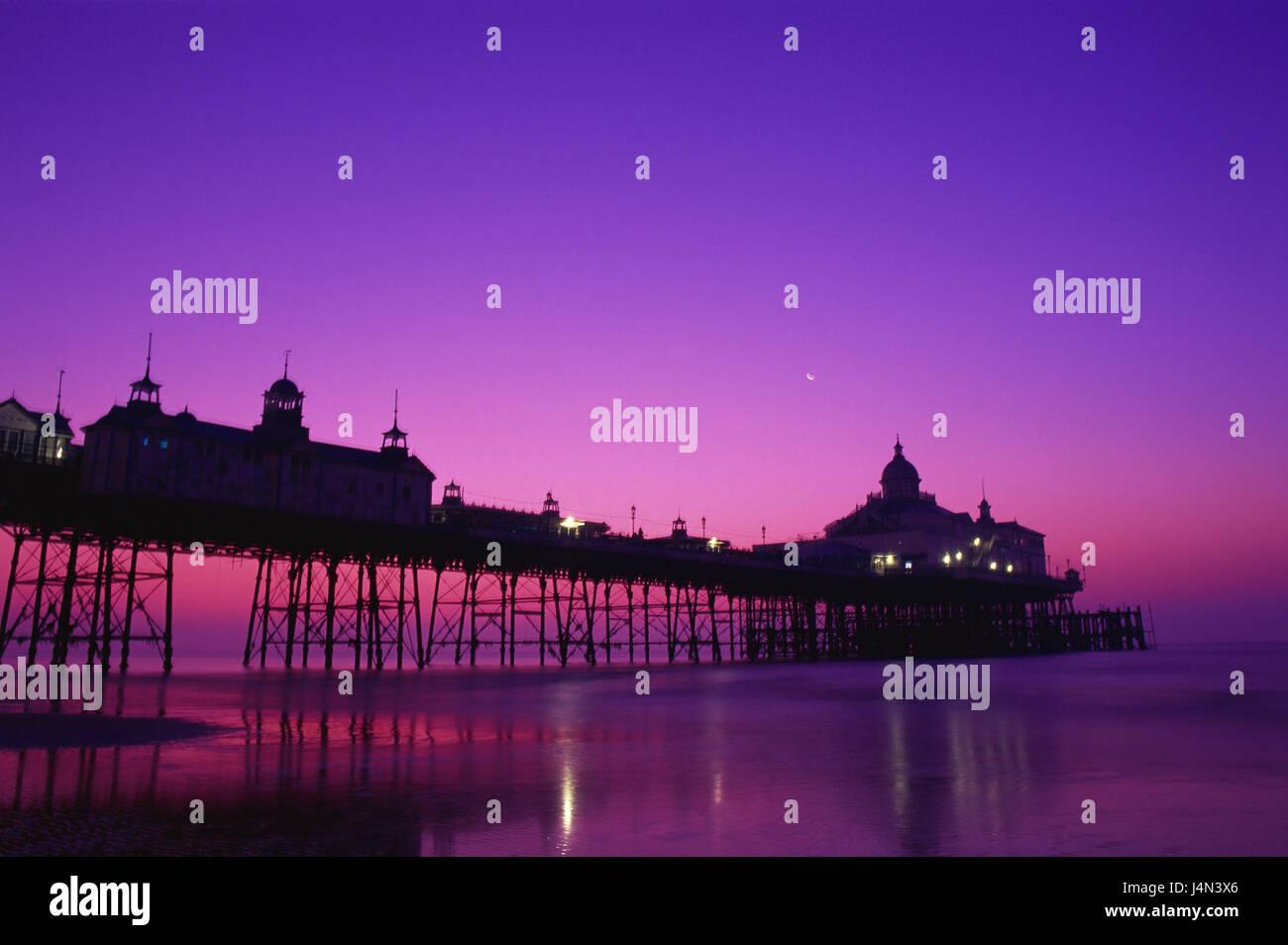Großbritannien, England, Sussex, Eastbourne, Pier, Silhouette, Abend, tuning, Stockbild