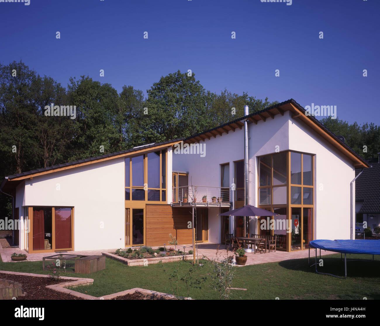 Einfamilienhaus Wohnung, Garten, Wohn-Haus, außen, Fenster, hell ...