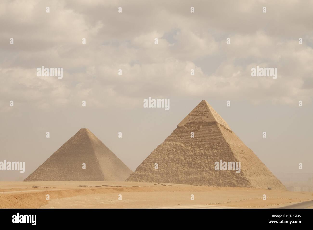 Ägypten, Wüste, Pyramiden, niemand, Afrika, Kairo, Orte von Interesse, Ausflug, Tourismus, Himmel, Wolken, Stockbild