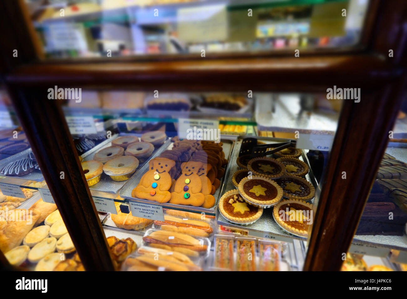 Bread Shelf Stockfotos & Bread Shelf Bilder - Alamy