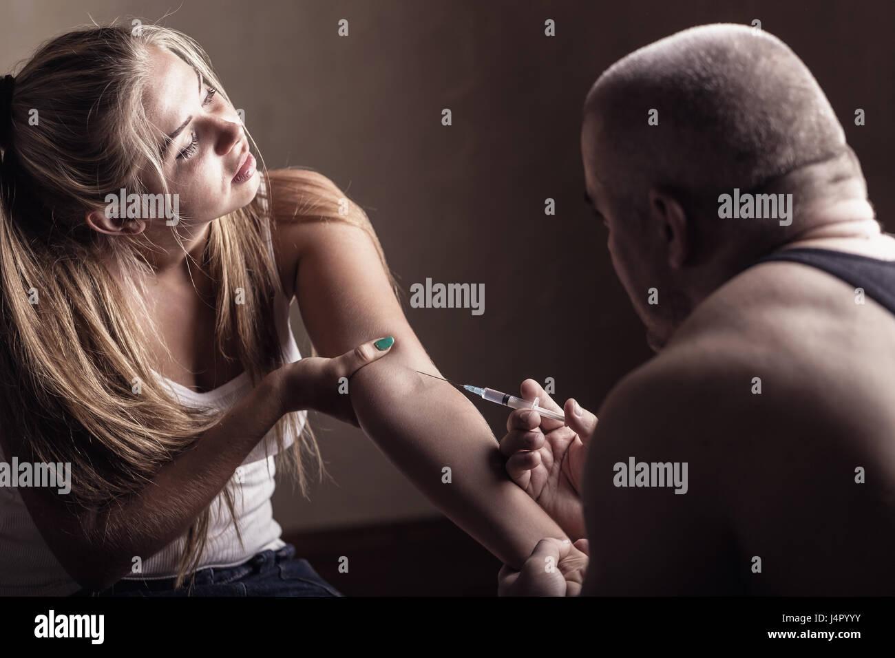 Wie macht man seine Freundin spritzen