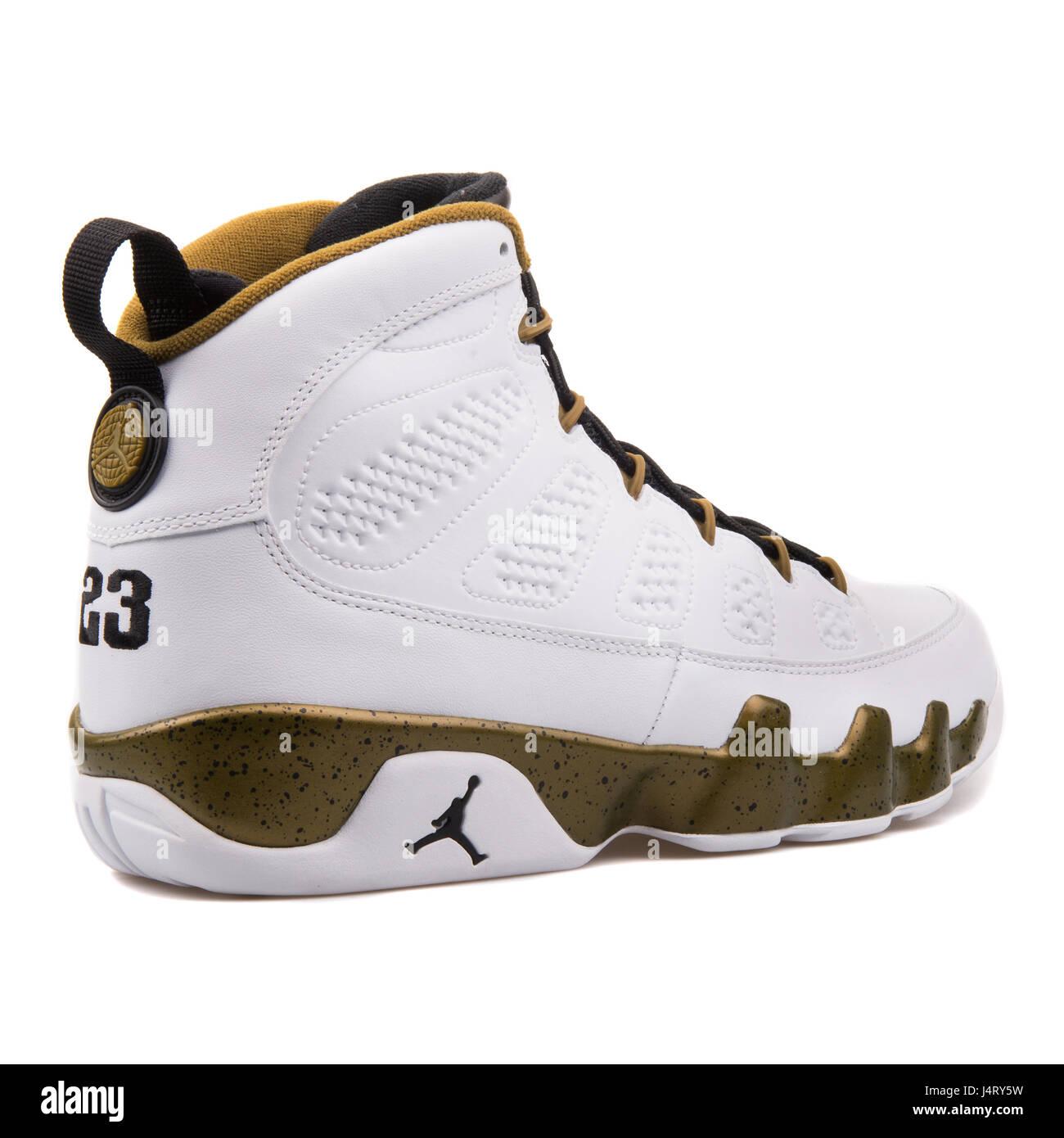 the latest 029e5 fa218 Nike Air Jordan 9 Retro-weiße schwarze Miliz grün hohe Leder-Sneakers -  302370-109