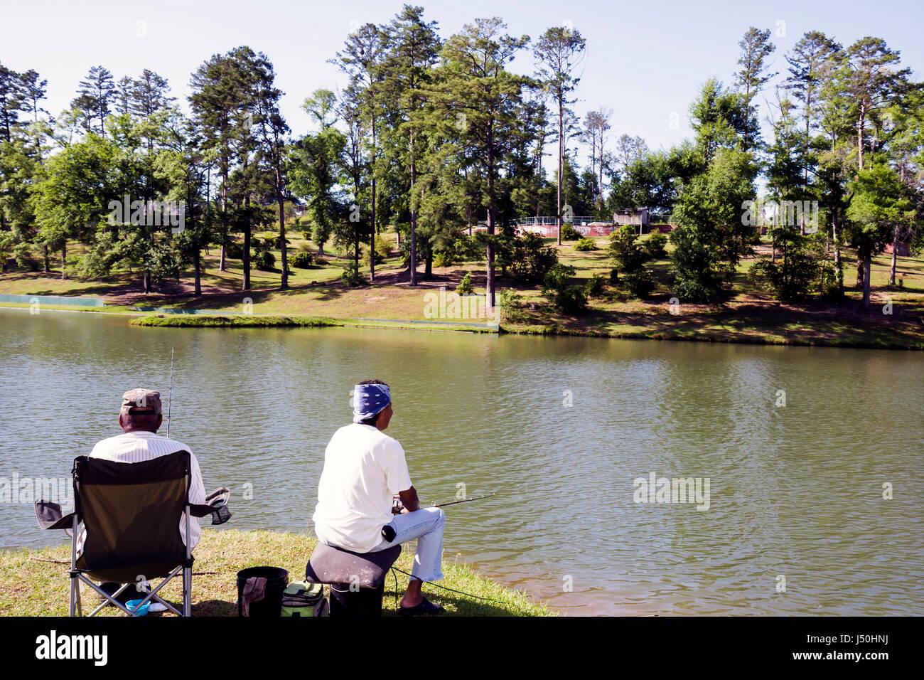 Monroeville Alabama Park fahren Vanity Fair See schwarz Mann Frau ...