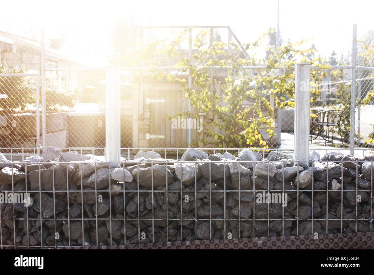 Natur Stein Granit Stelen Mit Granit Kies Zaun Gabione Gartenmauer