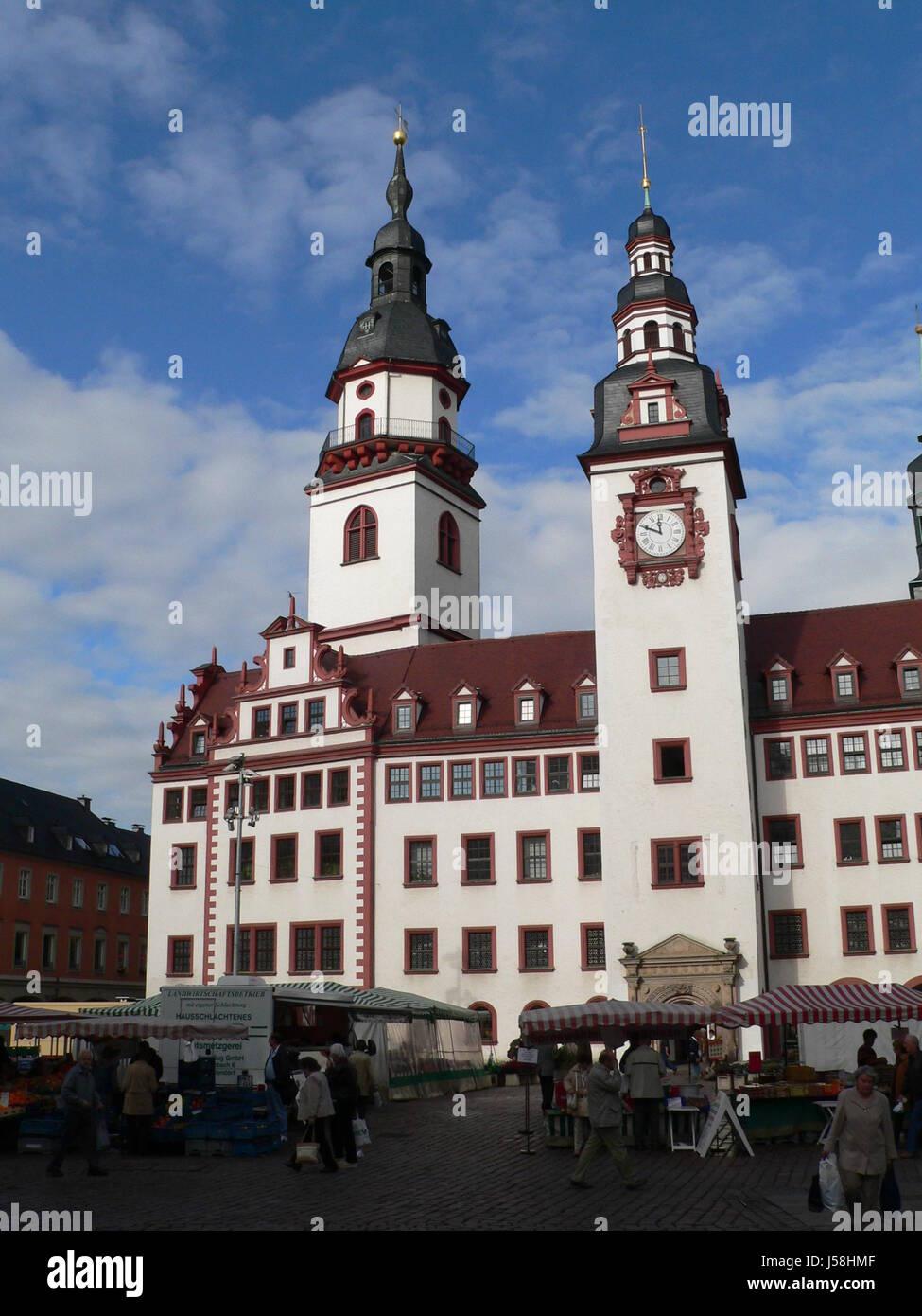 Rathaus Stadt Renaissance Glockenspiel wöchentlichen Markt Marktplatz Flohmarkt Stockbild