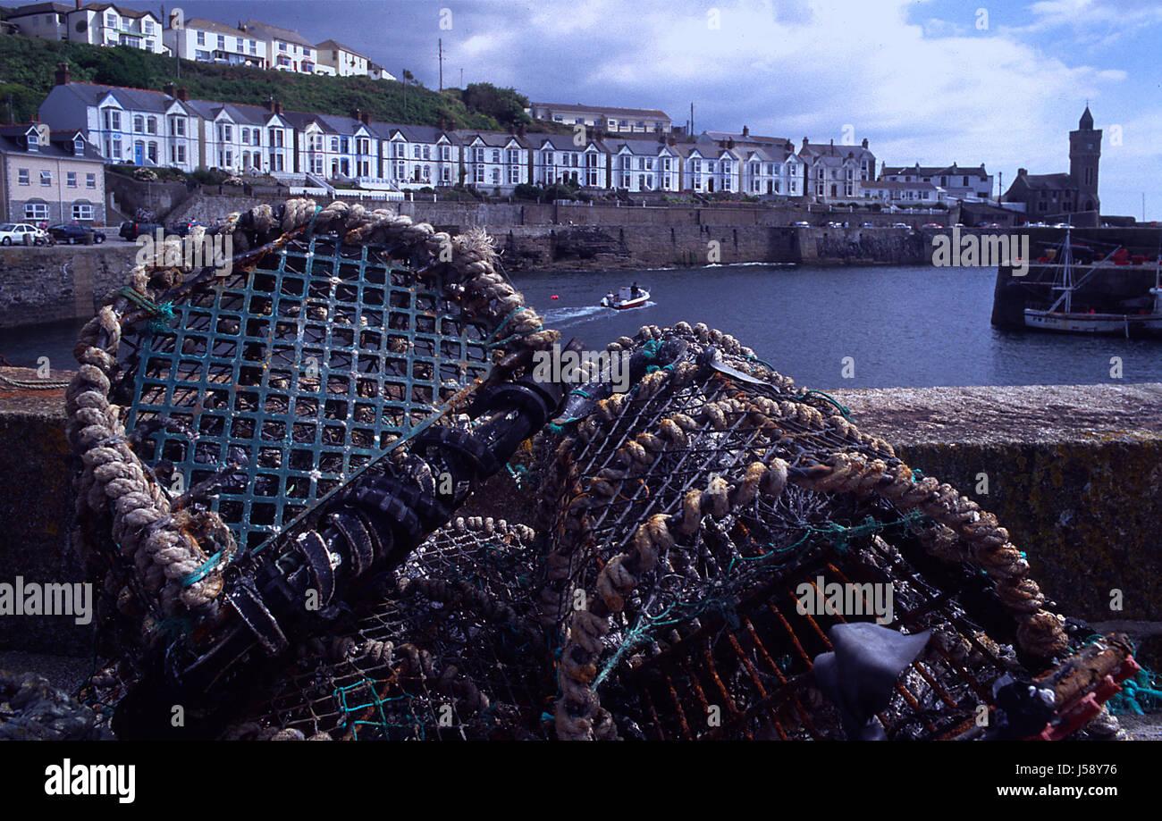 Hafen Kanal England Häfen Lobster Pot Cornwall England Hummerfalle Stockbild