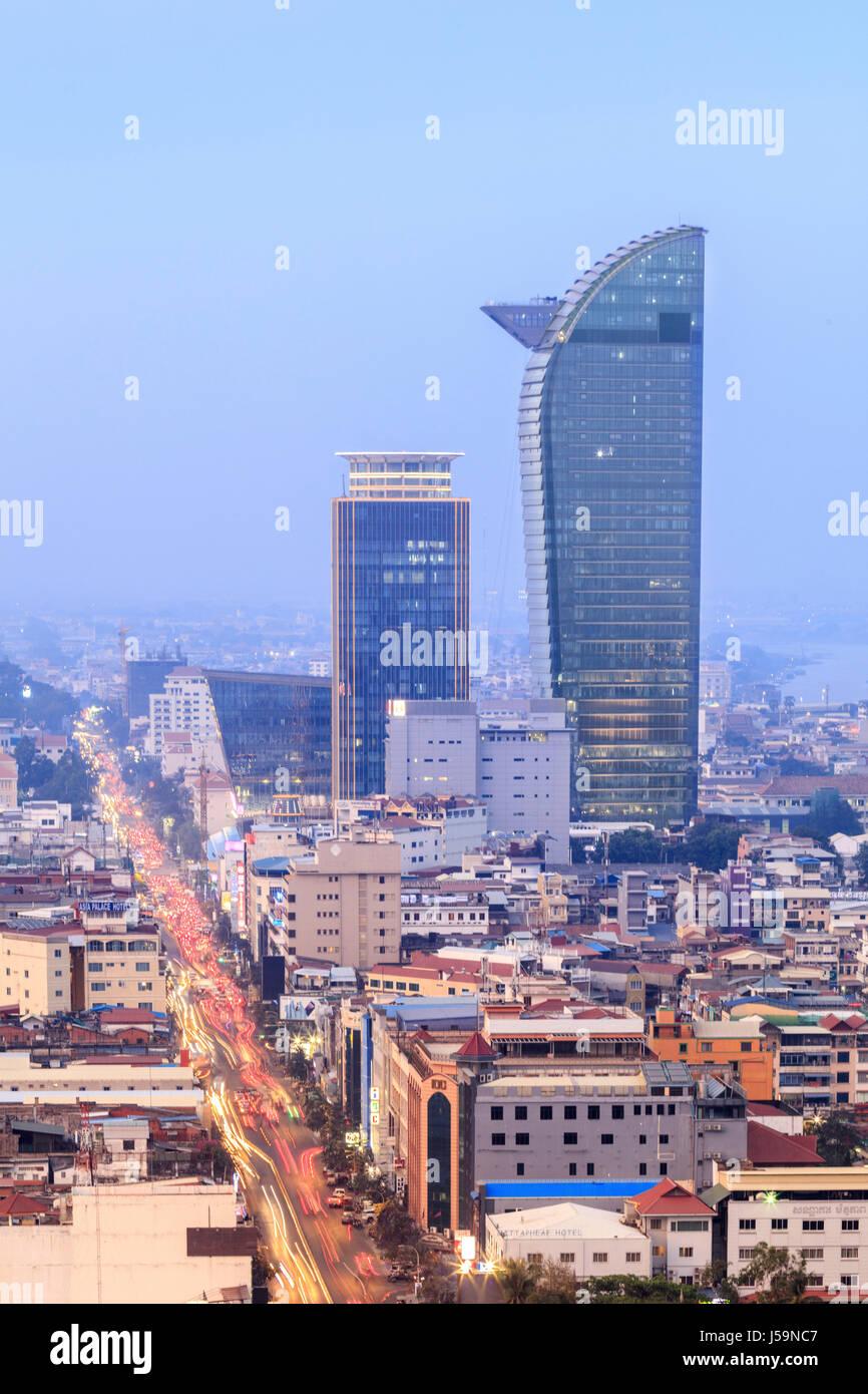Skyline des Business- und Finanzviertels in der kambodschanischen Hauptstadt Phnom Penh Stockbild