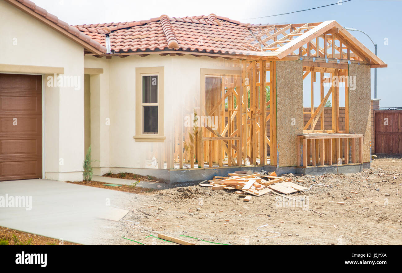 Real Estate Incomplete Housing Stockfotos & Real Estate Incomplete ...