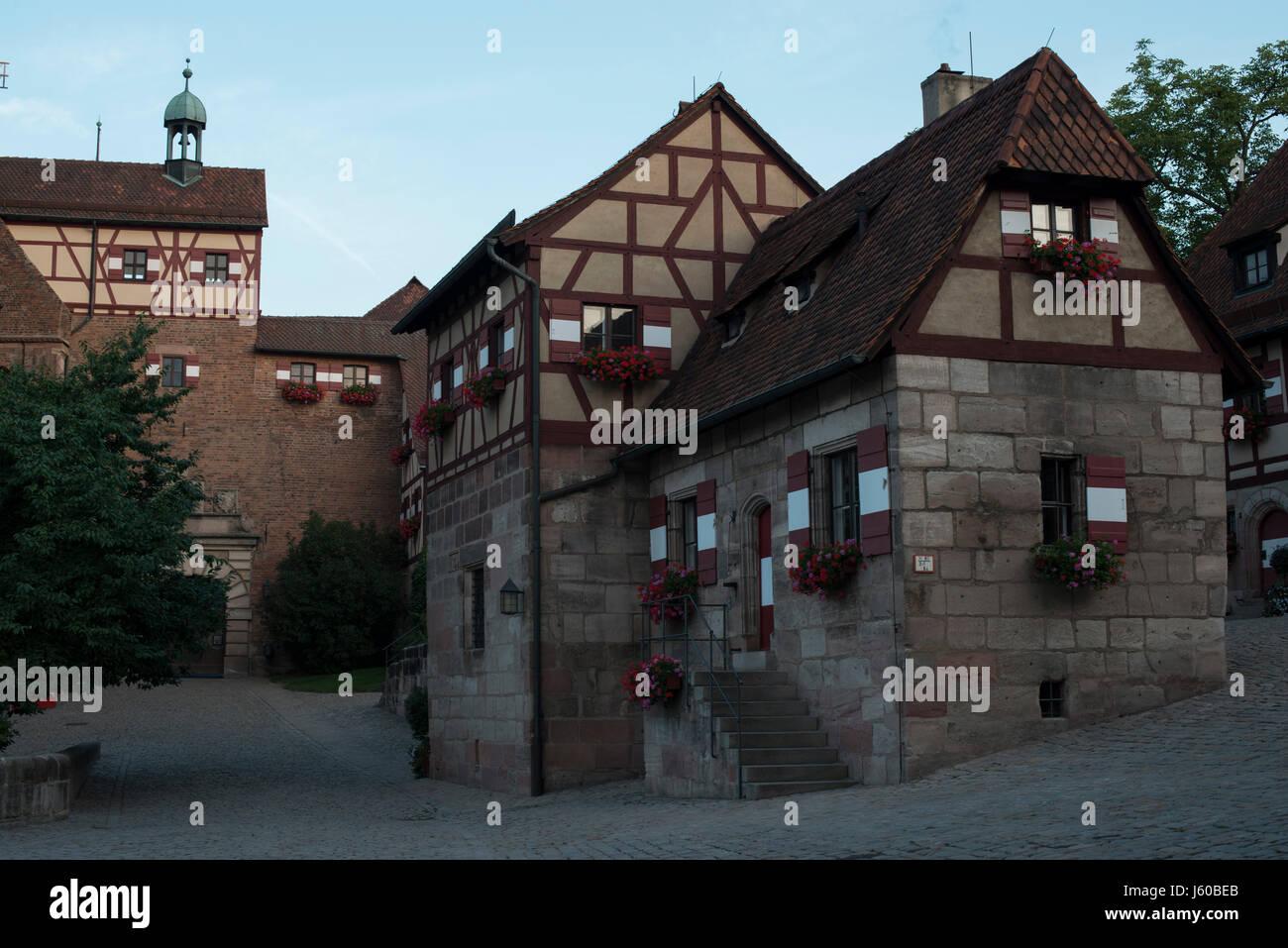Innenhof der Nürnberger Burg bin Morgen Stockbild