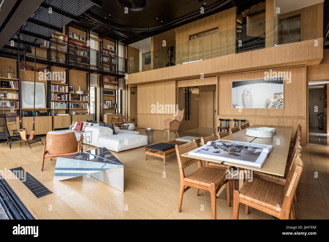 Doppelter Höhe Wohnzimmer mit kombinierbares von Peiro Lissoni für ...