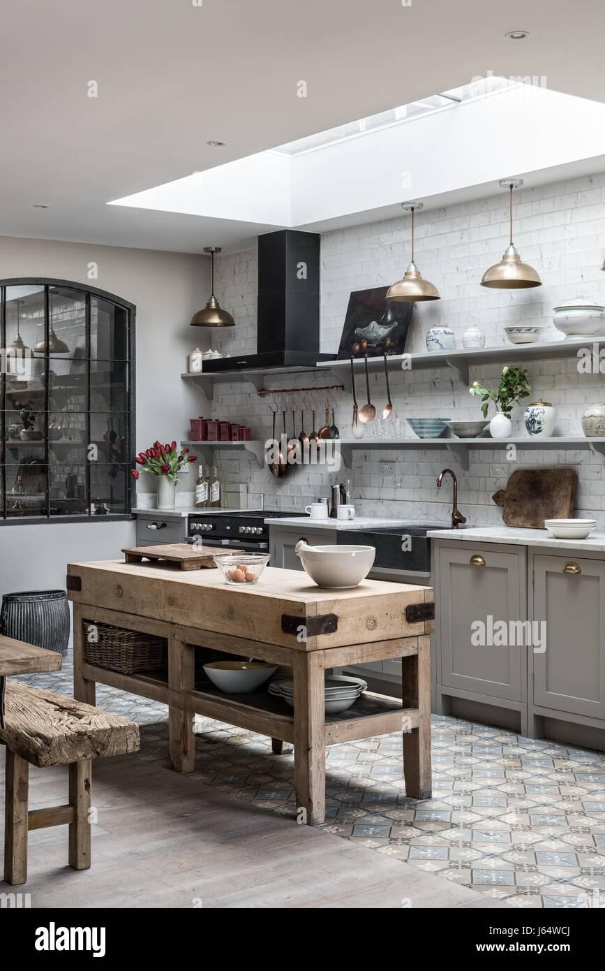 Möglichen Küche mit Vintage Messing Anhänger Beleuchtung und ...