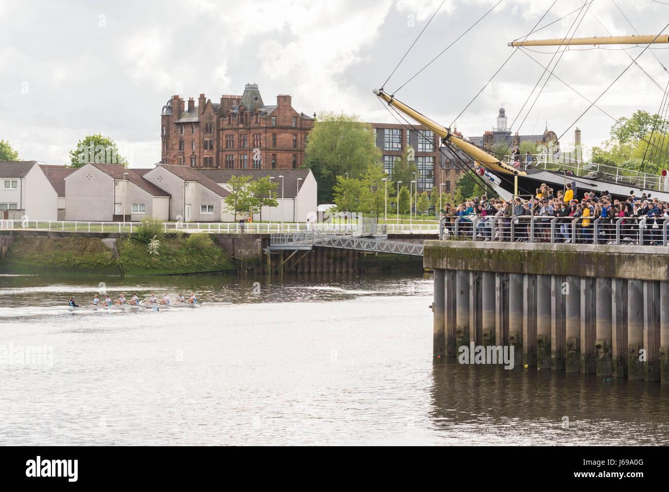 Glasgow, Schottland. 20. Mai 2017. UK-Wetter - strahlender Sonnenschein, Wolken und Duschen im Riverside Museum Stockbild