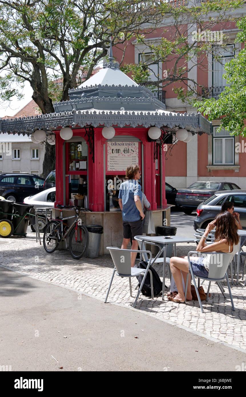 Lissabon, Portugal, sechseckige Kiosk, Quiosque, Verkauf von Kaffee ...