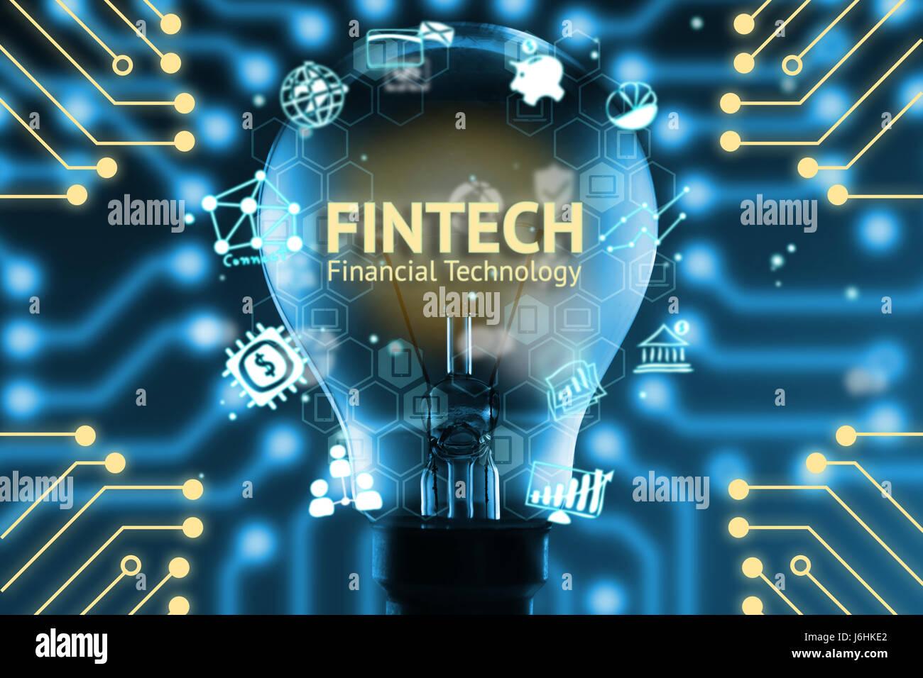 FinTech-Konzept. Ikonen der Finanztechnologie und Bank. Glühbirne, Infografik, Texte und Symbole. Elektrische Stockbild