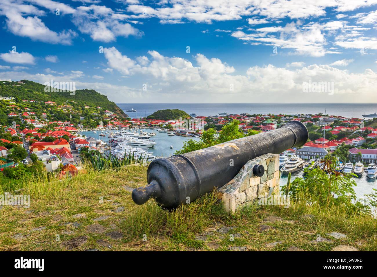 Saint Barthelemy Skyline und den Hafen in der Karibik. Stockbild