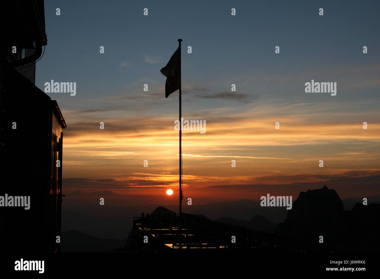 Sonnenaufgang am Gipfel Stockbild